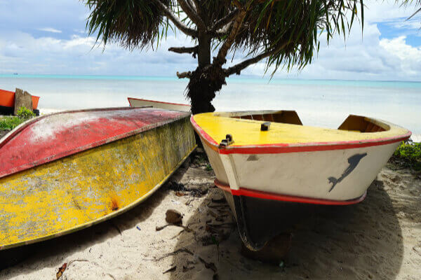 fishing-boats-on-tropical-beach